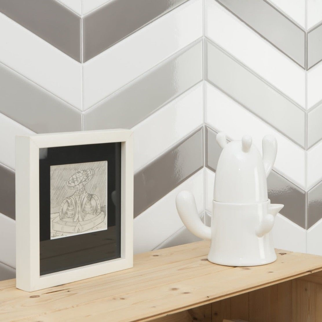 Scale / Chevron Tiles